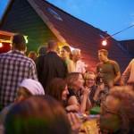 Roof-Party mit Blick auf Spitzgiebel