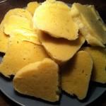 Fertig! Lecker! Wer mag, kann die Knödelscheiben für zusätzliche 2000 Kalorien noch in Butter knusprig anbraten.